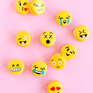 Emoji-Macarons-8